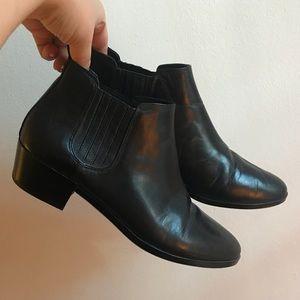 Michael Kors leather Chelsea boots